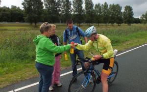201309 Almere na 84 km een verse bidon